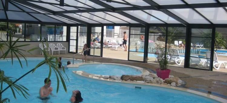 Camping avec piscine couverte ou chauffée en Bretagne sud